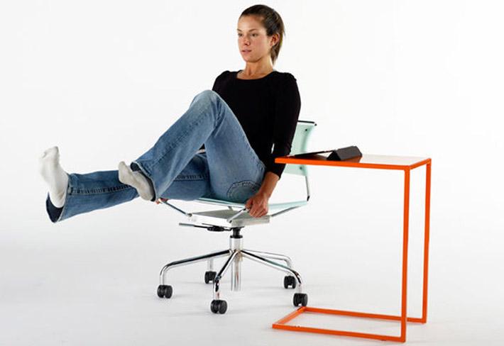 come allenare gli addominali mentre si sta seduti