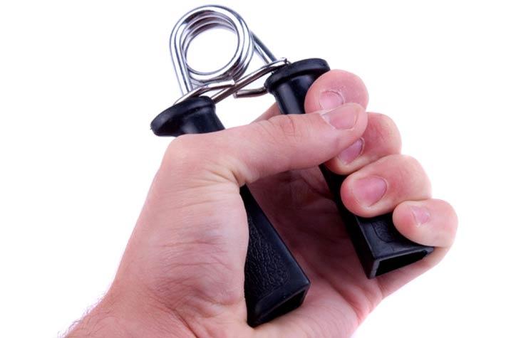 Attrezzi fitness per allenare le braccia a casa - Attrezzi per imbiancare casa ...