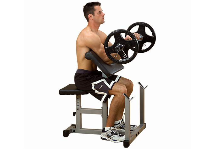 Attrezzi fitness per allenare le braccia a casa - Panca scott a casa ...