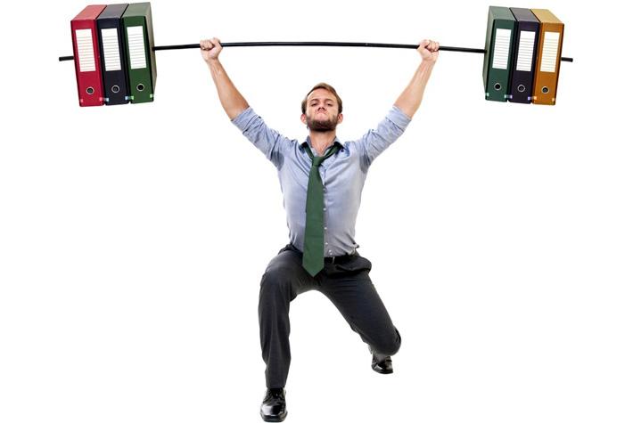 10 esercizi che si possono fare in ufficio da seduti