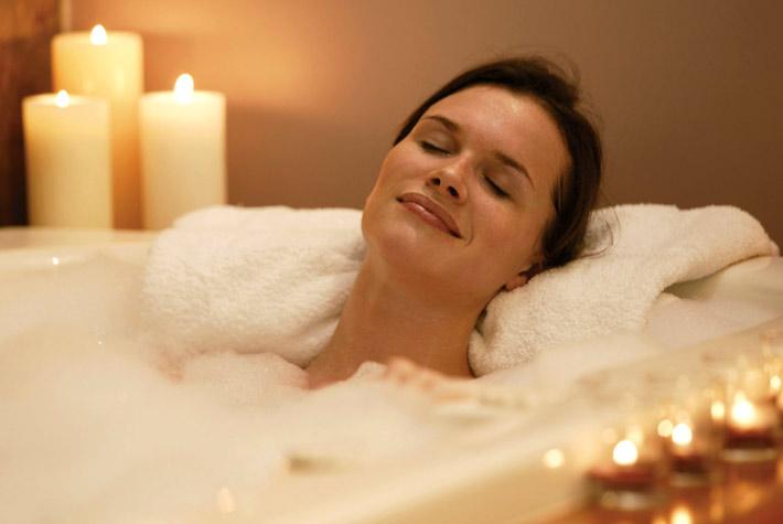 Bagno Rilassante Con Oli Essenziali : Bagno rilassante fai da te come fare quali oli e sali usare