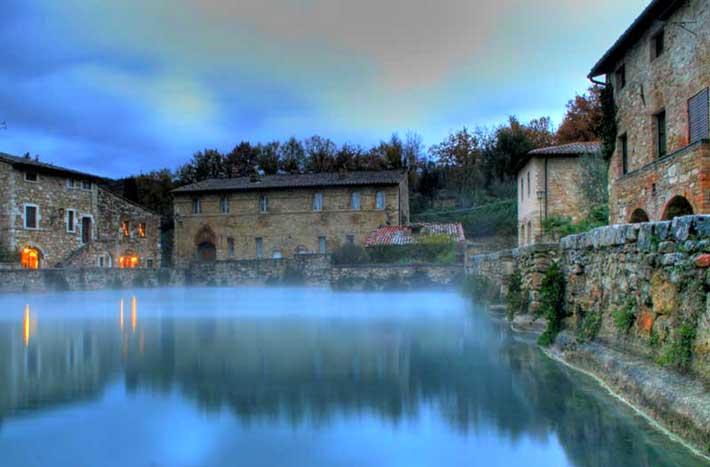 7 tra le migliori terme in toscana - Il loggiato bagno vignoni ...