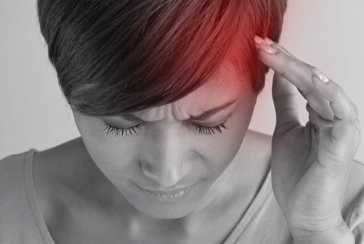 Dolore alla testa lato sinistro: cause, sintomi e rimedi