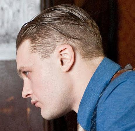 Taglio capelli corto sotto lungo sopra uomo