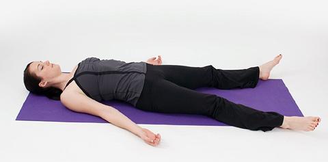 posizioni yoga per sconfiggere l'insonnia