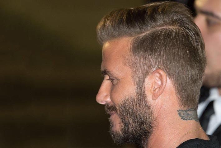 Taglio Di Capelli Uomo Stempiato Rasato Con Riga Lato , David Beckham