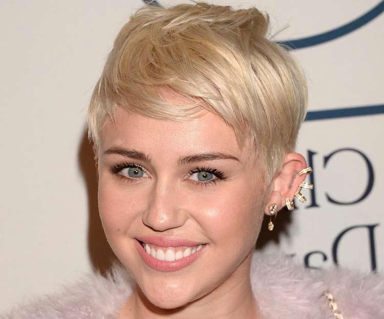 miley-cyrus-tagli-capelli-corti-donna-acconciature