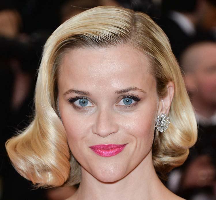 Taglio di capelli da donna medio-corto di Reese Witherspoon