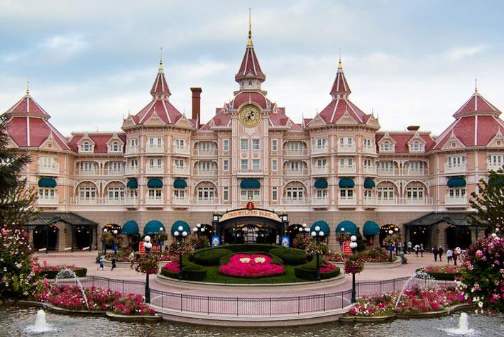 Disneyland Paris in Francia - Attrazioni Turistiche Più Visitate d'Europa