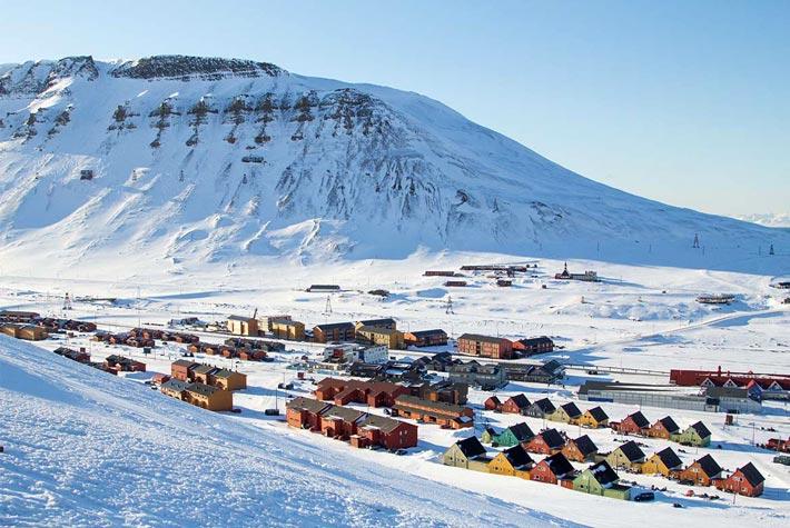 Longyearbyen, Isole Svalbard, Norvegia - Luoghi Più Remoti Al Mondo