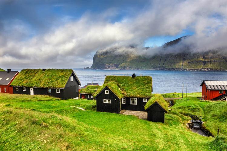Luoghi Più Remoti Al Mondo - Nell'Immagine: Mikladalur (Faroe)