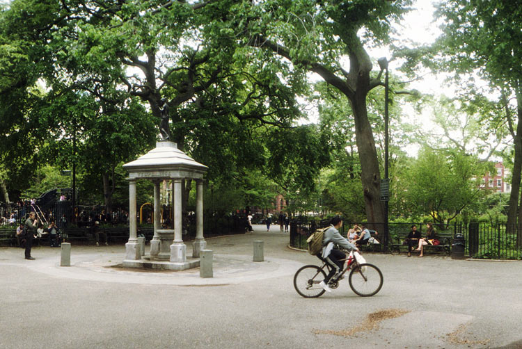 Tompkins Square Park, Manhattan - Parchi Più Famosi Di New York